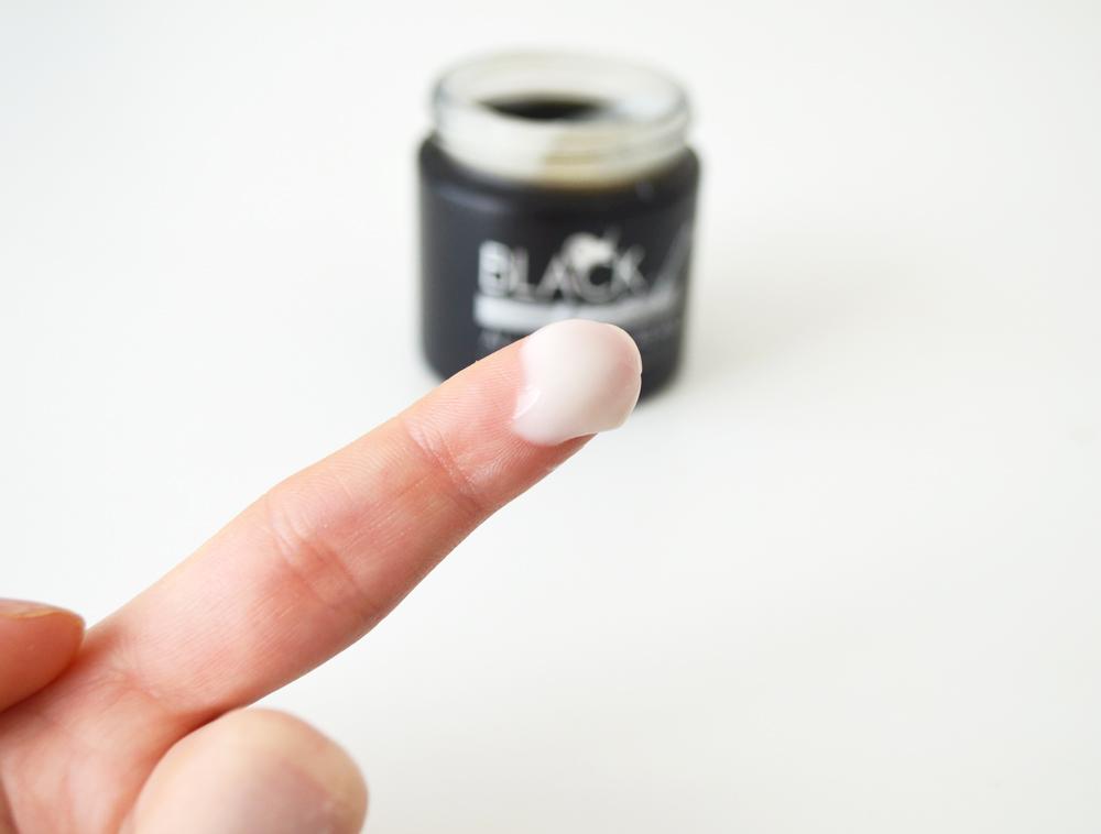 creme-mizon-black-snail-texture-peau-normale-seche-grasse