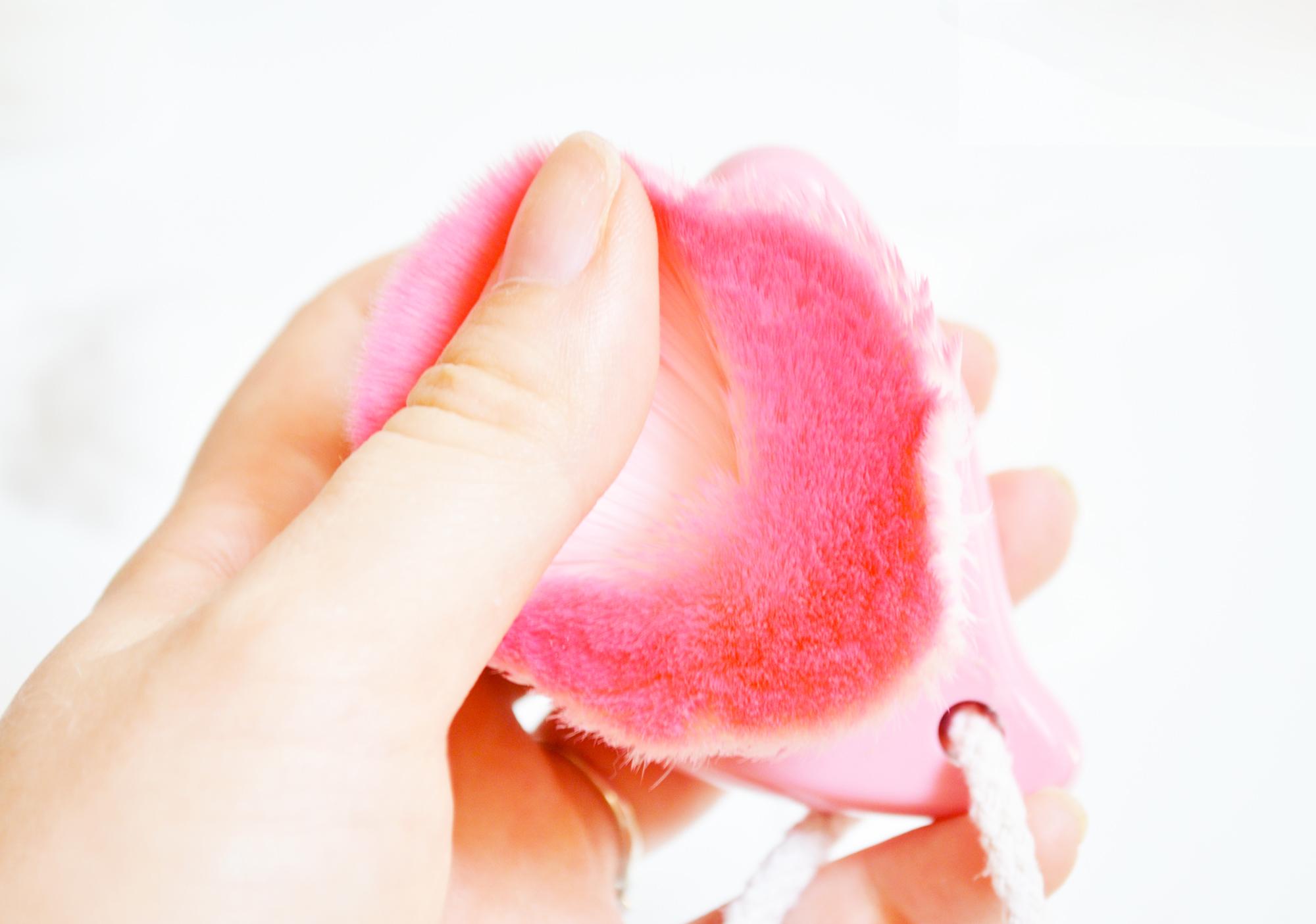 brosse-nettoyante-visage-coc-peach-coringco-revue