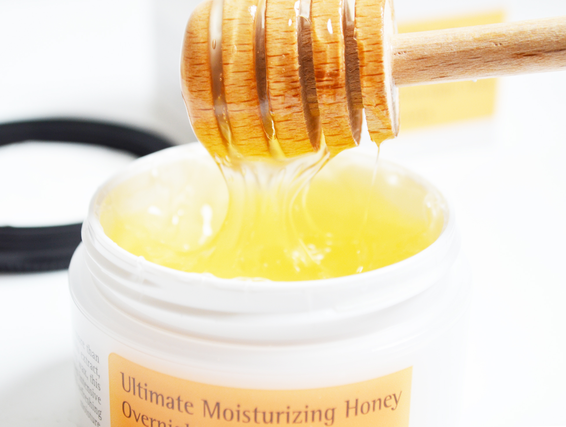 Cosrx-Ultimate-Moisturizing-Honey-Overnight-Mask-review